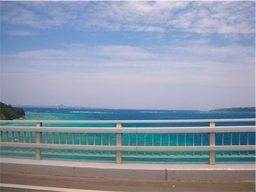 瀬底大橋からの海.jpg