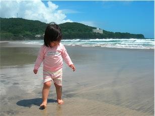 海と娘.jpg